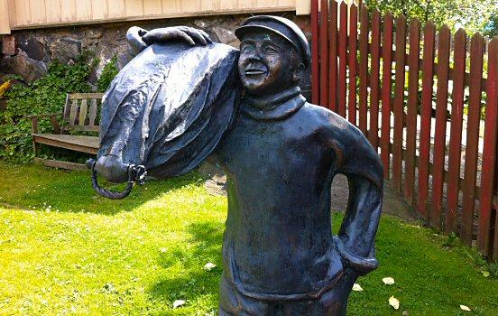 Sailor statue in Gathenhielmska