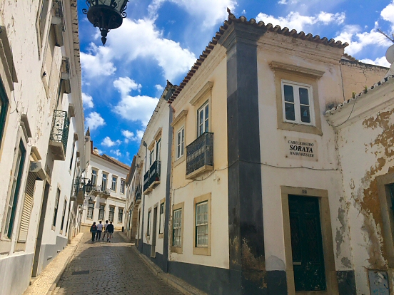 Rue do Municipio, old town in Faro